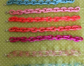 Plastic chain bracelet