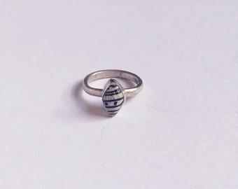 Mini shell ring