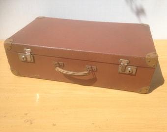 Old suitcase travel Brown trunk + reinforcements year 1950 Vintage