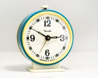 10% OFF Alarm Clock Soviet mechanical alarm clock Desk clock Russian Vintage Alarm Clock Made in USSR Retro alarm clock antique alarm clock