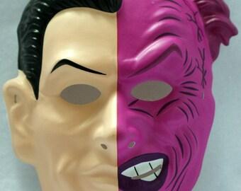 Vintage DC Comics Two Face Halloween Mask Batman Comic Book Villain Y017
