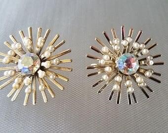 Vintage Gold Starburst Rhinestone Pearl Cluster Clip on Earrings Round Earrings