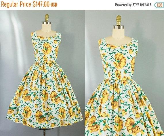 SALE 15% STOREWIDE 1950s yellow floral day dress/ 50s flower print dress/ medium