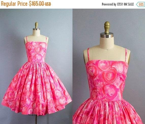 SALE 15% STOREWIDE 1950s pink sundress/ 50s rayon novlety print silky spaghetti strap dress/ medium