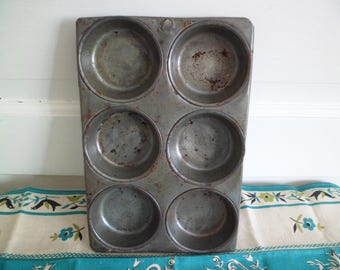 Vintage Metal 6 Cup Muffin Pan Tin Primitive Farmhouse Kitchen