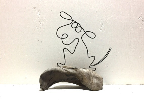 Dog wire sculpture dog art dog figure wire and driftwood for Dog wire art