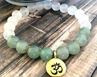 Green Aventurine Snow Jade Om Bracelet, Meditation Bracelet, Healing Bracelet, Yoga Bracelet, Gold Om Bracelet, Gifts for Her, Wellness