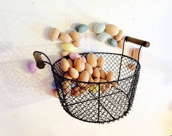 Chicken Wire Egg Basket Egg Basket Rusty Wire Wood Handles Rustic French Decor Easter Eggs Country Garden Flowers Container White Cottage