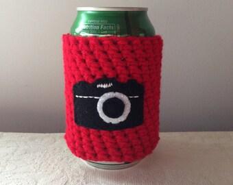 Vintage Camera Crochet Beer Cozy in Red, Coffee Cup Cozy, Crochet Coffee Sleeve, Reusable Coffee Cozy, Tea Mug Cozy, Can Cozy by Maroozi