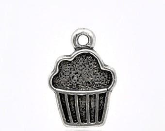 20 pcs Dull silver tone Cupcake Charms