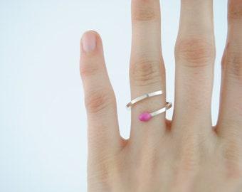 Anillo cerilla, anillo de plata, anillo minimal, anillo esmaltado, anillo rosa, anillo sencillo, anillo plata y esmalte