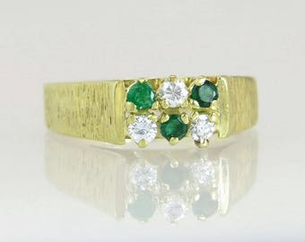 Vintage Estate .30ct Genuine Diamond & Emerald 18k Yellow Gold Ring