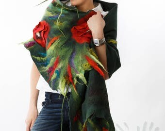 Green Shawl With Poppy Flowers / Nuno Felt / Red  Flowers  /  Handmade Felted Shawl / Merino Wool / Wrap / Made to order. Free shipping.