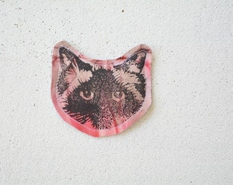 Red Cat Face Pin Brooch. Birman Ragdoll. Fabric. Upcycled textiles.