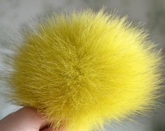 Yellow fur pom pom, Arctic fox pom pom, Lemon real fur pom-pom for knitted hat or for bag, Medium size pompom, Fur accessories
