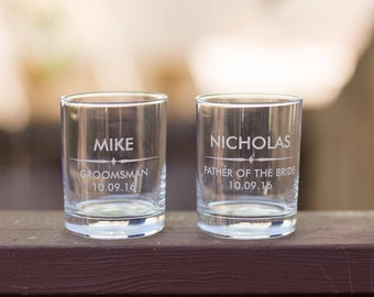 Groomsman Personalized Whiskey Glasses // Etched custom whiskey glass // Groomsmen whiskey gift // Groomsmen gift // Whiskey glass with name