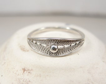 Vintage Sterling Silver Filigree Ring - Soviet Jewelry - Size 10
