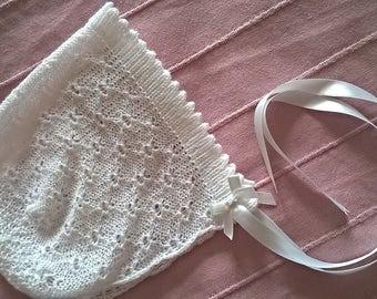 christening bonnet / white lace bonnet/ baby bonnet/ lace baby bonnet/ baptism bonnet