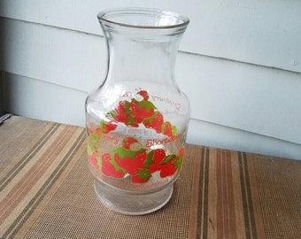 Vintage Strawberry Shortcake Glass Juice Jar / Carafe / Pitcher /Anchor Hocking / 80s cartoon / American Greetings