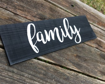 Wooden Family Sign//Rustic Wooden Sign//Entryway Sign//Gallery wall sign//Small wooden sign//Family//Housewarming Gift//Wedding gift