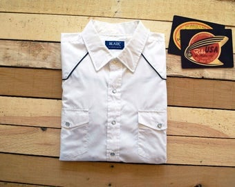 Vintage Men's XL <> 80s 90s BLAIR White Western Pearl Snap Shirt with Black Piping Yokes <> Cowboy Collared Long Sleeve