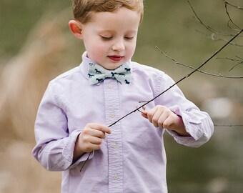 Blue Horse Bow Tie, Mens Derby Bow Tie, Derby Horses Bowtie, Aqua Blue Bow Tie, Kentucky, Fathers Day Bow Tie, Men's Bow Tie