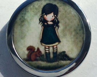 Pill, jewlery and little treasure/ BOXE/ Lovely girl with squirle