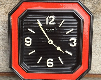 German red black ceramic porcelain wall kitchen clock / Lectra  Quartz / Germany /70s / 80s