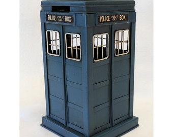 Dr Who TARDIS Blue British Police Public Call Box metal desktop vintage looking coin bank DALEKS CYBERMEN