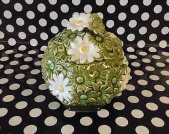 "Delightful Daisy~Lidded Jar~Ardco~C1720~Cookie Jar~Green~White~Daisy~6.5"" Tall"