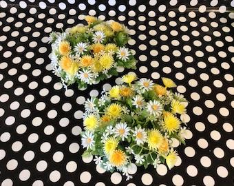 Dandy Daisy's~Dandelions~Daisy~Decorative Cande Rings~Plastic~Vintage~NOS~Set of 2
