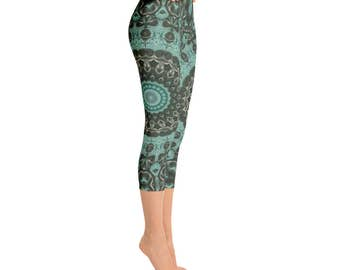 Capris - Mid Rise Leggings Yoga Green, Emerald Mandala Art Yoga Tights, Printed Yoga Pants, Green Leggings, Womens Stretch Pants