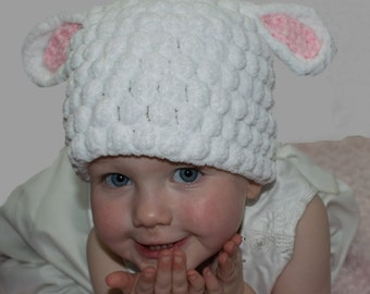 Crochet lamb hat, crochet sheep hat, character hat, white crochet hat, winter hat, bubbly hat, hat with ears, photography prop