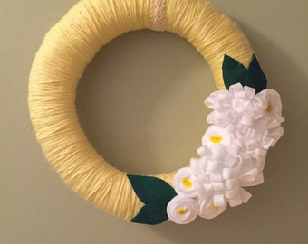Yellow Yarn Wreath With White Flowers, Felt Flower Door Wreath, Door Hanger, Yarn Wreath with Felt Flowers