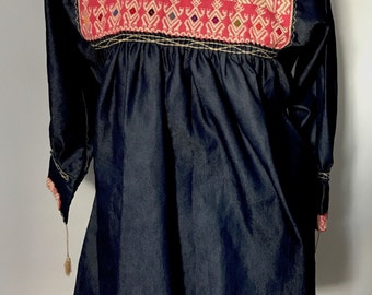 Mexican Embroidered Blouse / Handwoven Blouse / Hand Embroidered Ethnic Blouse