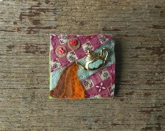 Teapot Brooch - Handmade, Felt Jewellery, Tea, Tea Lover, Biscuits, Fabric Brooch, Pin, OOAK