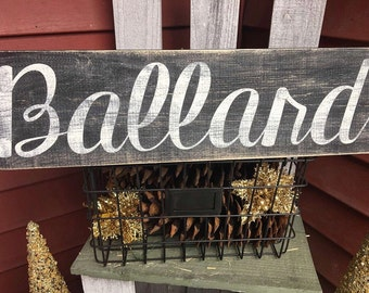 Name & est. distressed wood sign, family sign, wedding gift, personalized sign, custom signs