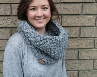 Chunky Textured Cowl Neckwarmer// THE SANDPIPER// Grey