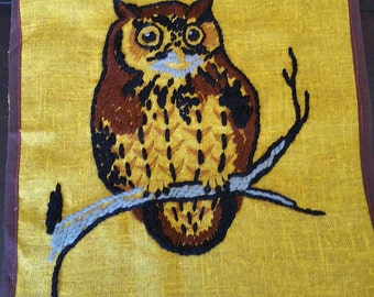 Vintage crewel embroidery, FREE SHIPPING, owl motif, hand embroidered, brown owl, barn owl, Walll hanging, wall art, cute owl, wise owl, owl