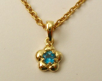Solid 9ct Yellow Gold March Birthstone Daisy Aquamarine Pendant