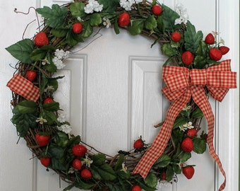 Strawberry Wreath, Strawberry Door Wreath, Spring Strawberry Wreath, Kitchen Wreath, Strawberry Decor, Strawberry Kitchen Decor, Strawberry