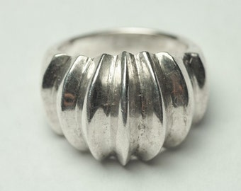 T08C11 Vintage Modern Taxco TO-88 Sgnd Abstract Ribbed Shell 925 Sterling Silver Ring Sz 6 Mexico