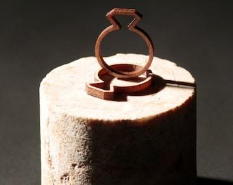 Diamond ring wood