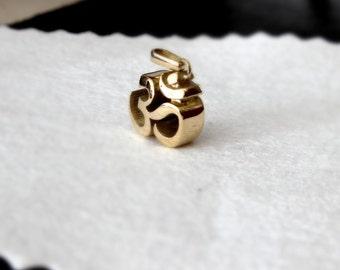 OM sign pendant 14 K Gold solid Sanskrit 585 gold jewelry Buddhist symbol