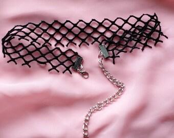 Black Fish Net Choker