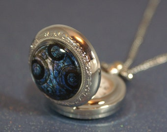 Dr Who Gallifreyan Pocket Watch Necklace
