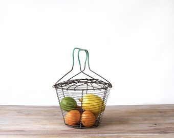 French vintage wire salad basket, metal wire salad spinner, foldable wire fruit egg basket, modular metal wire basket, farm kitchen decor