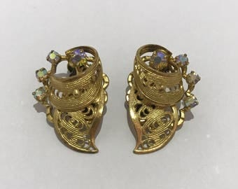 Aurora Borealis clip on earrings 1950 of gold filigree and rhinestones. Vintage clip earrings