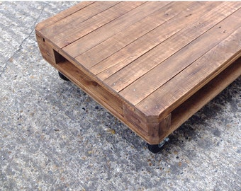 MAÏTENA - Reclaimed Pallet Wood Coffee Table