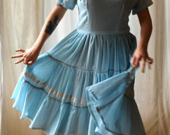1950s icy blue and silver patio dress || 50s southwestern style tiered party dress